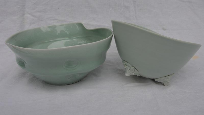 © Maryse Tavernier - Bowl with feet 3, Bowl fluid 4